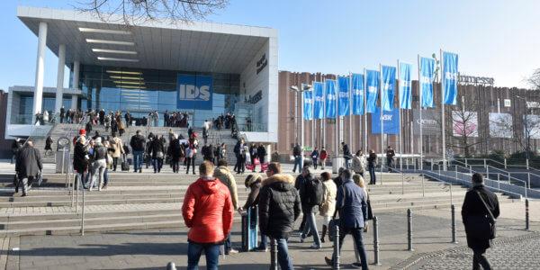 International Dental Show 2017, appuntamento a Colonia dal 21 al 25 marzo per il più importante evento internazionale del settore.
